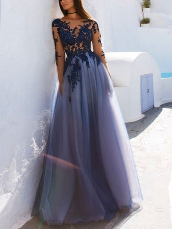 Lovely A-Line Scoop Cut Tulle Long Dresses With Applique