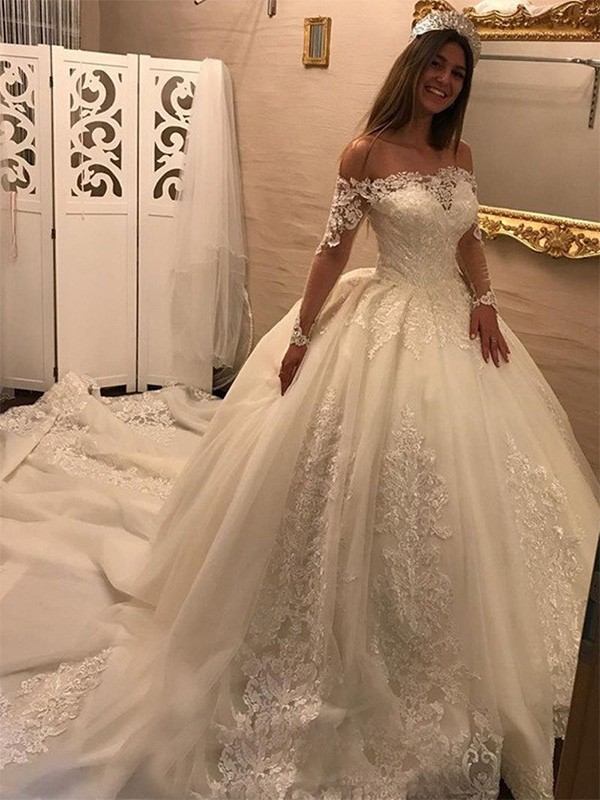 Pretty Ball Gown Off-the-Shoulder Cut Tulle Long Wedding Dresses With Applique