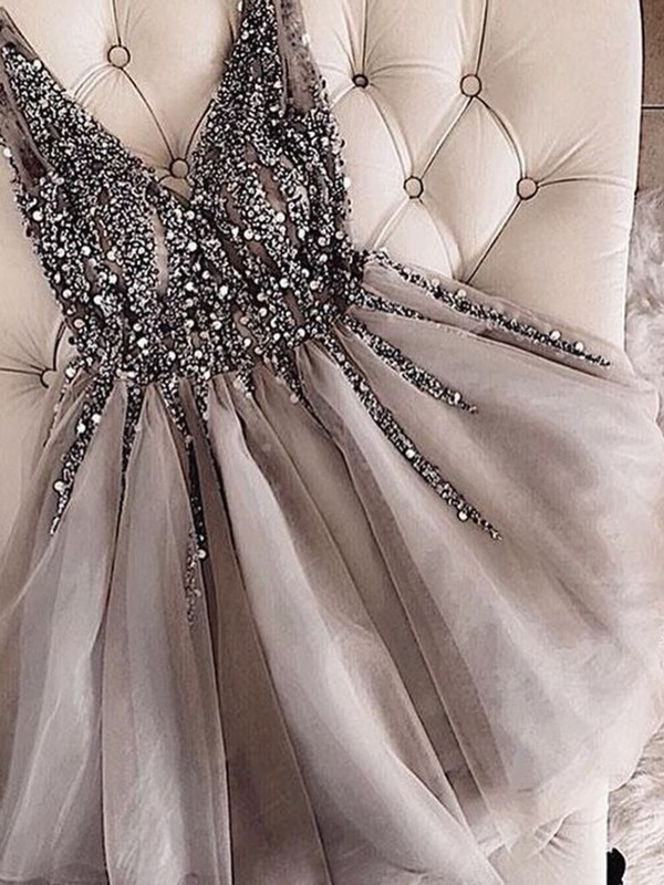 Chic A-Line V-neck Cut Tulle With Sequin Short Dresses