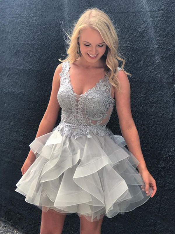 Stunning A-Line V-neck Cut Tulle Short Dresses With Applique