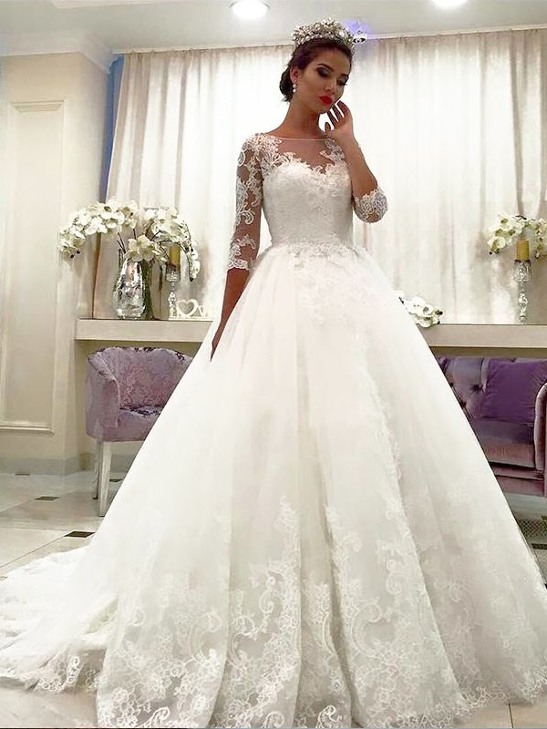 Elegant Ball Gown Bateau Cut Tulle Long Wedding Dresses With Ruffles