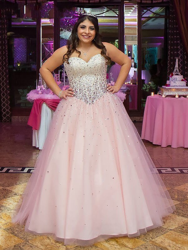 Hot Ball Gown Sweetheart Cut Tulle Long Plus Size Dresses With Beading