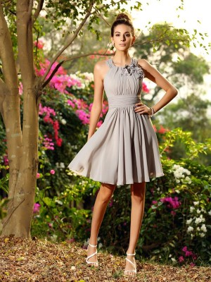 Amazing A-Line Scoop Cut Chiffon Short Bridesmaid Dresses With Hand-Made Flower