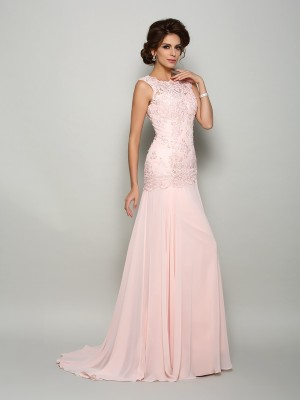 Stunning Mermaid Scoop Cut Chiffon Long Mother of the Bride Dresses With Beading