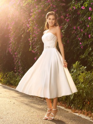 Charming A-Line Sweetheart Cut Satin Short Wedding Dresses With Beading