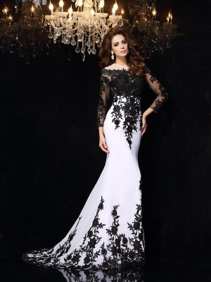 Exquisite Sheath Scoop Cut Chiffon Long Dresses With Lace