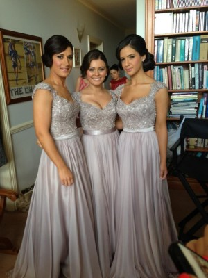 Modern Sheath V-neck Cut Chiffon Long Bridesmaid Dresses With Beading