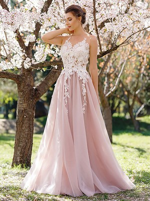 Sweet A-Line Jewel Cut Tulle Long Dresses With Applique