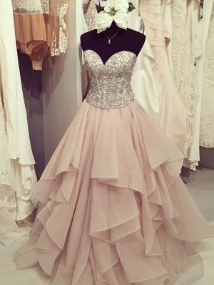 Fashional Ball Gown Sweetheart Cut Chiffon Long Dresses With Beading