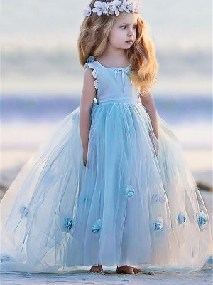 Dreamlike Ball Gown Bateau Cut Tulle Long Flower Girl Dresses With Hand-Made Flower