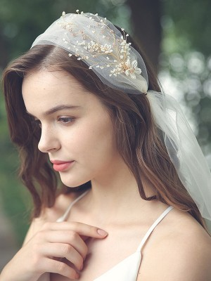 Trending Tulle One-Tier Elbow Bridal Veils With Beading