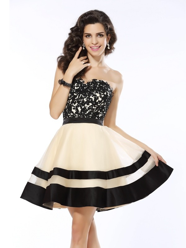 Trendy A-Line Sweetheart Cut Organza Short Dresses With Applique