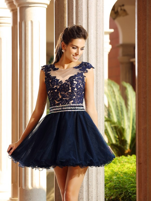 Charming A-Line Scoop Cut Tulle Short Dresses With Applique