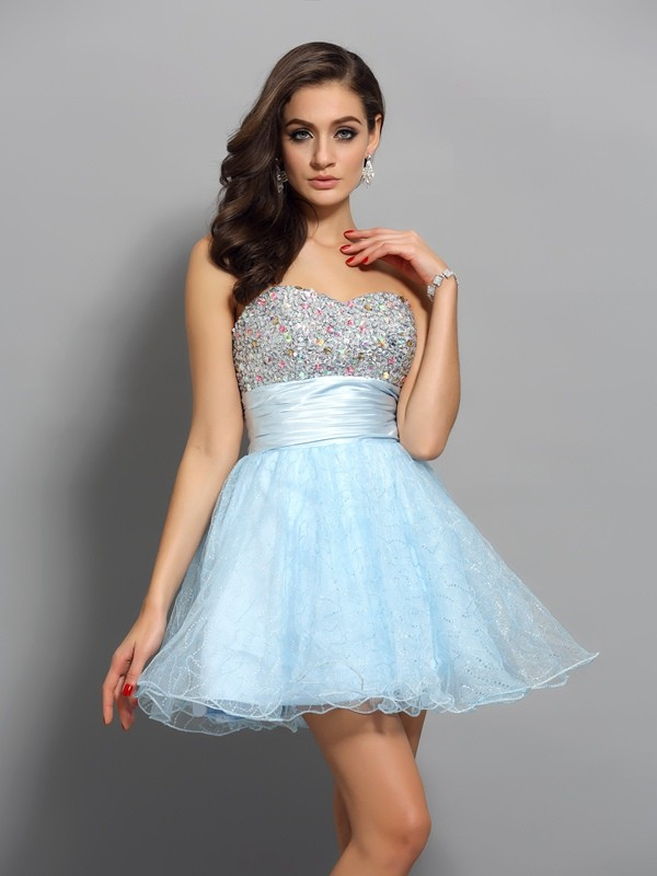 Attractive A-Line Sweetheart Cut Chiffon Short Dresses With Beading