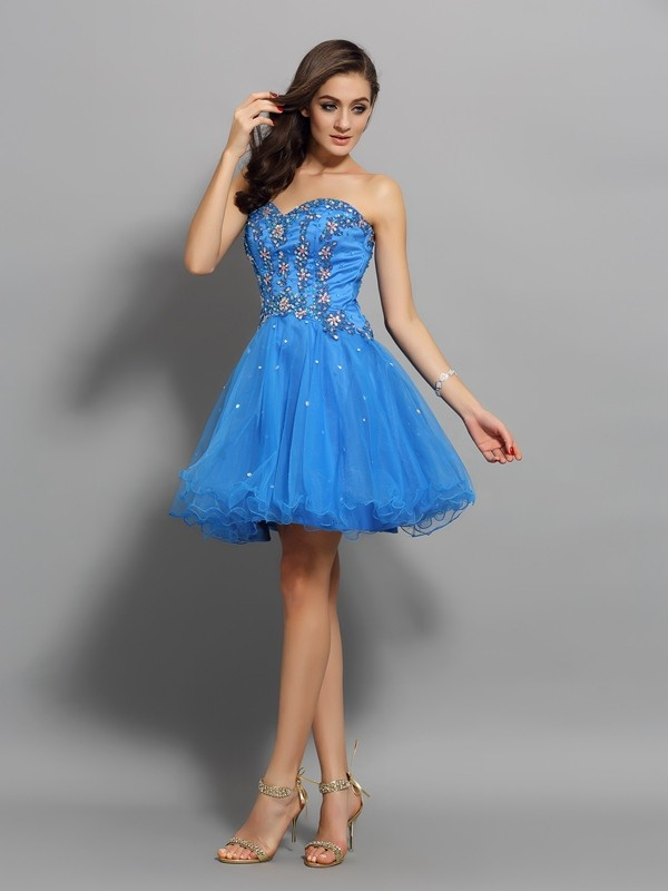 Bright A-Line Sweetheart Cut Satin Short Dresses With Beading