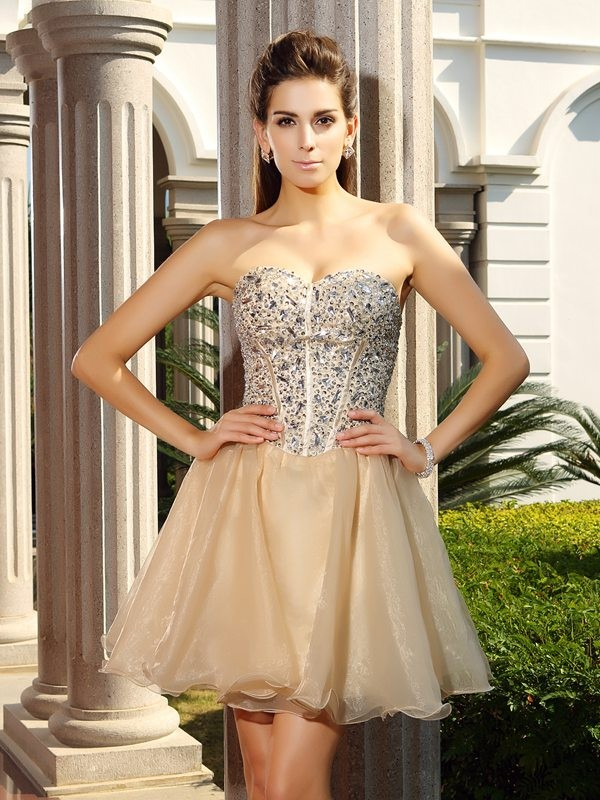 Chic A-Line Sweetheart Cut Organza Short Dresses With Ruffles