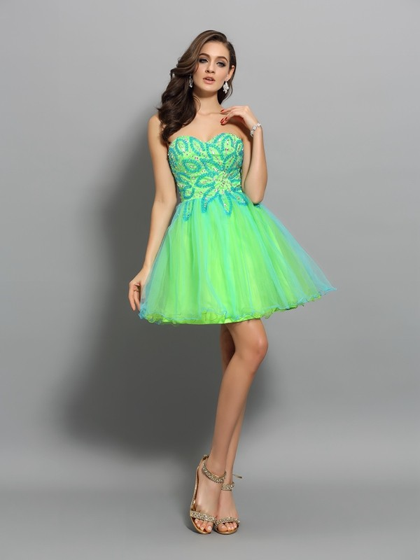 Pretty A-Line Sweetheart Cut Net Short Dresses With Beading