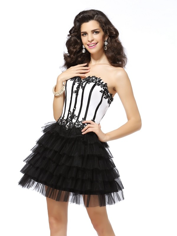 Gorgeous A-Line Sweetheart Cut Tulle Short Dresses With Applique