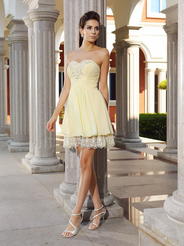 Nice A-Line Sweetheart Cut Chiffon Short Dresses With Beading