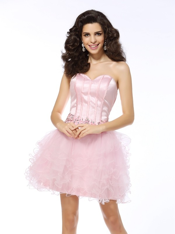 Charming A-Line Sweetheart Cut Net Short Dresses With Ruffles