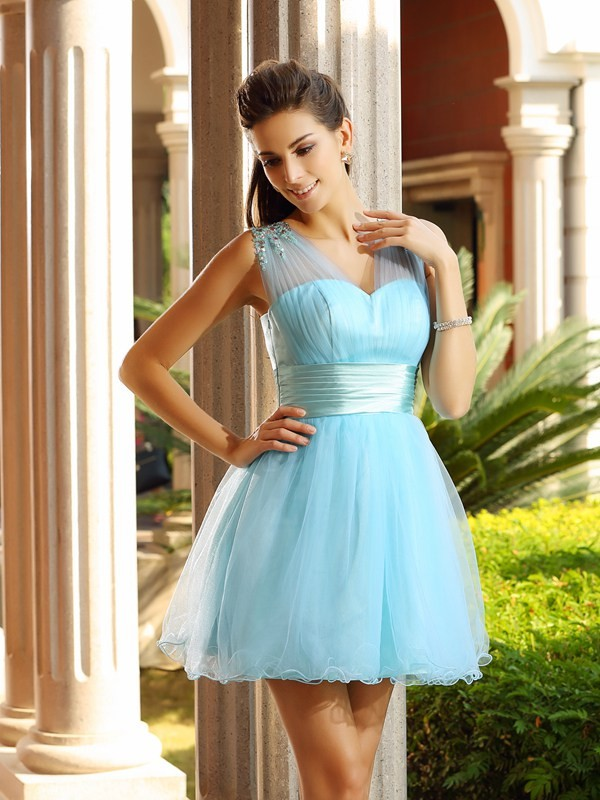 Sweet A-Line V-neck Cut Net Short Dresses With Pleats