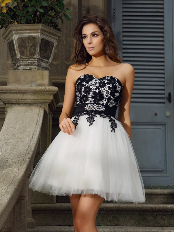 Elegant A-Line Sweetheart Cut Tulle Short Dresses With Applique