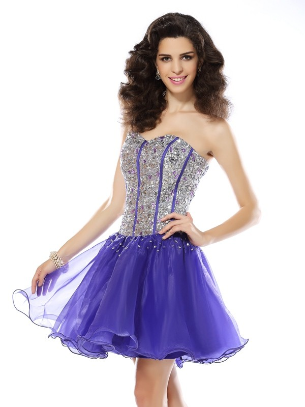 Special A-Line Sweetheart Cut Organza Short Dresses With Beading