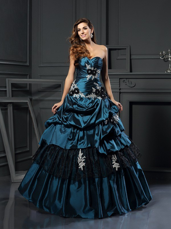 Modern Ball Gown Sweetheart Cut Taffeta Long Dresses With Beading
