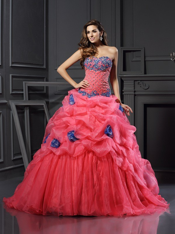 Exquisite Ball Gown Sweetheart Cut Organza Long Dresses With Beading