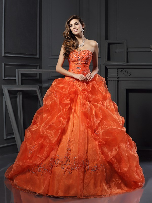 Amazing Ball Gown Sweetheart Cut Organza Long Dresses With Beading