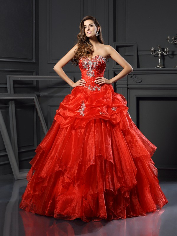 Graceful Ball Gown Sweetheart Cut Tulle Long Dresses With Beading