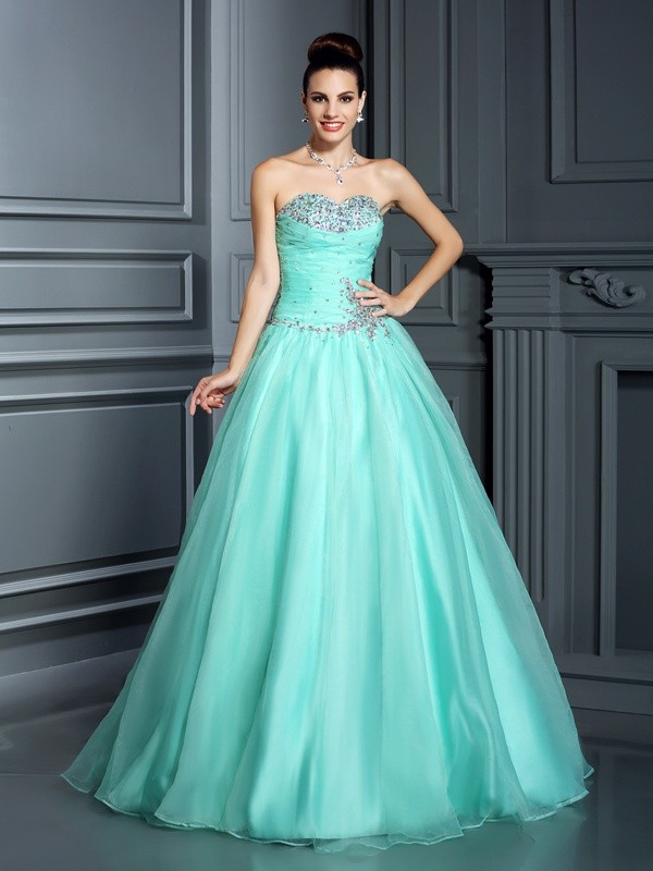 Lovely Ball Gown Sweetheart Cut Organza Long Dresses With Beading