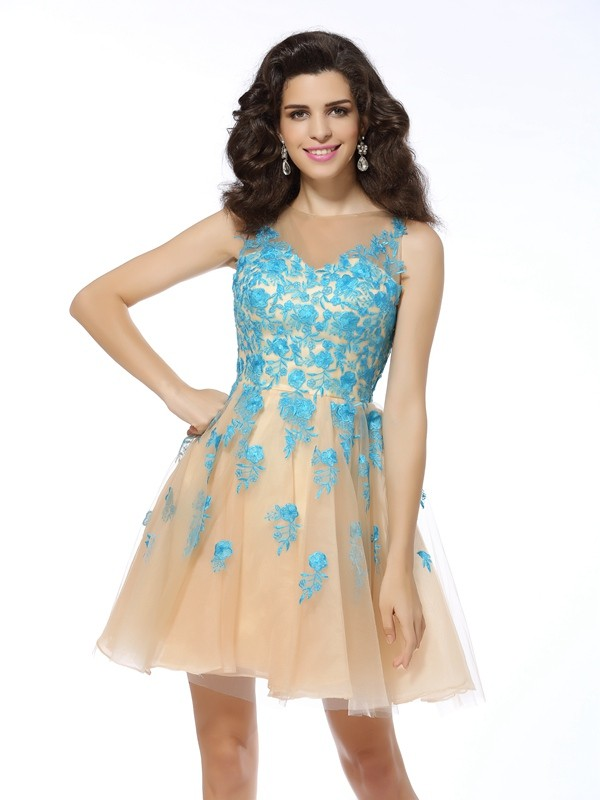 Delicate A-Line Bateau Cut Tulle Short Dresses With Applique