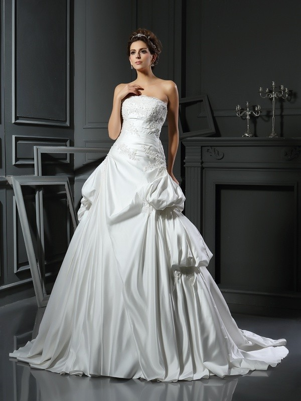 Special Ball Gown Strapless Cut Satin Long Wedding Dresses With Applique