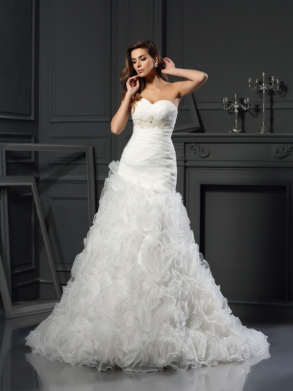 Bright A-Line Sweetheart Cut Organza Long Wedding Dresses With Beading