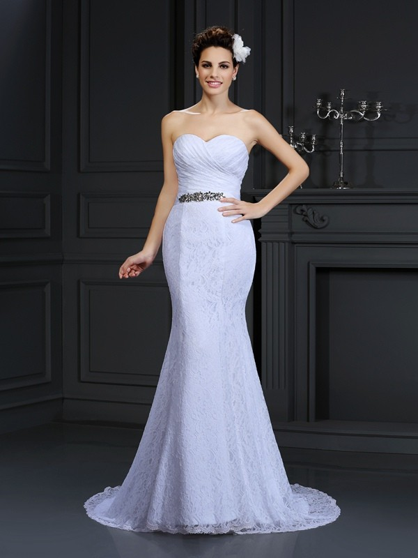 Elegant Mermaid Sweetheart Cut Lace Long Wedding Dresses With Ruffles