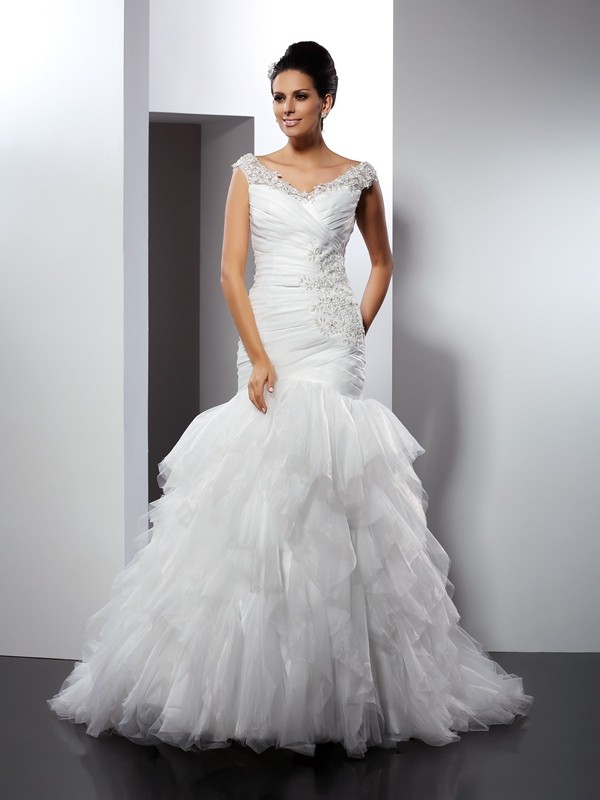Trendy Mermaid V-neck Cut Tulle Long Wedding Dresses With Applique