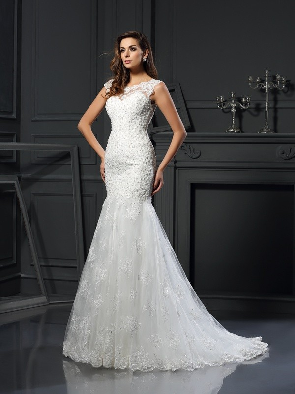 Soft Mermaid Scoop Cut Tulle Long Wedding Dresses With Applique