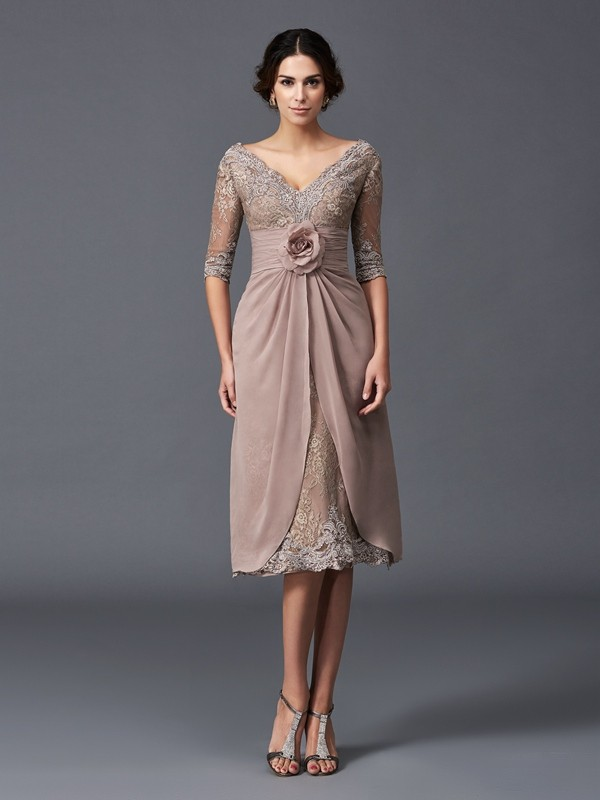 Stunning A-Line V-neck Cut Lace Short Mother of the Bride Dresses With Hand-Made Flower