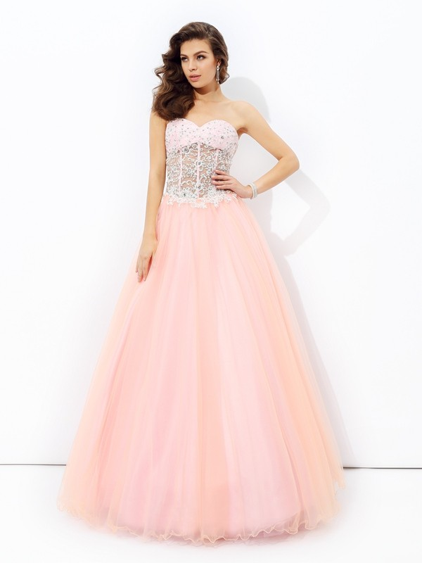 Stylish A-Line Sweetheart Cut Net Long Dresses With Lace