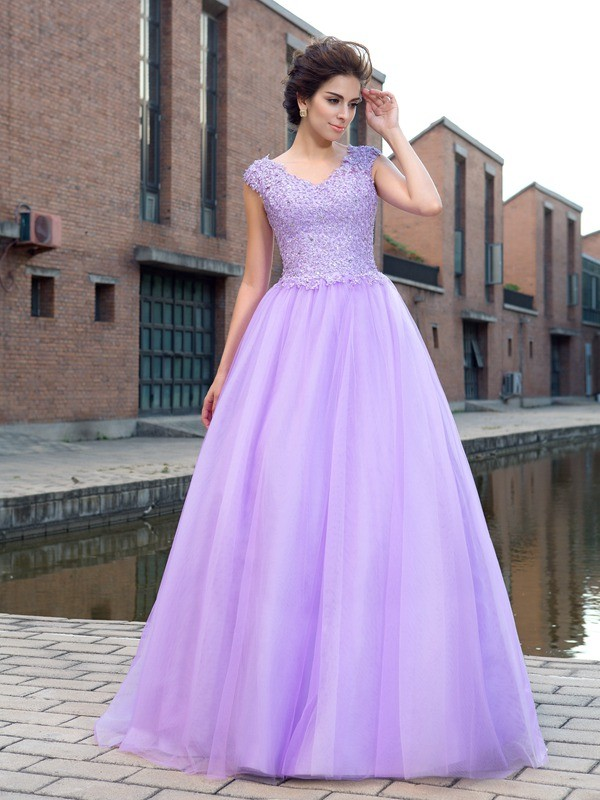 Stunning Ball Gown V-neck Cut Net Long Dresses With Applique