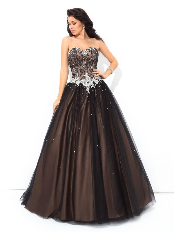 Modern Ball Gown Sweetheart Cut Net Long Dresses With Beading