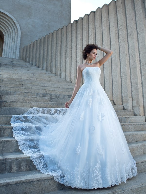Brilliant Ball Gown Spaghetti Straps Cut Satin Long Wedding Dresses With Applique