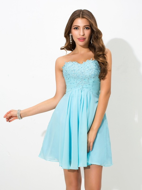 Trendy A-Line Sweetheart Cut Chiffon Short Dresses With Beading