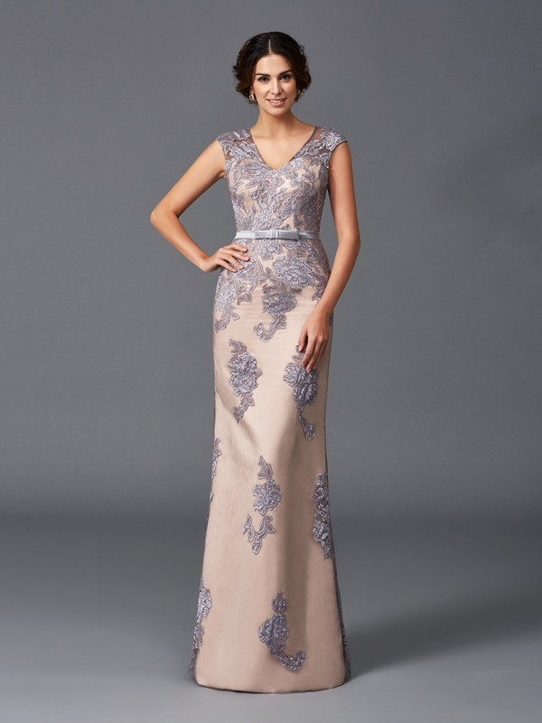 Exquisite Sheath Straps Cut Satin Long Dresses With Applique