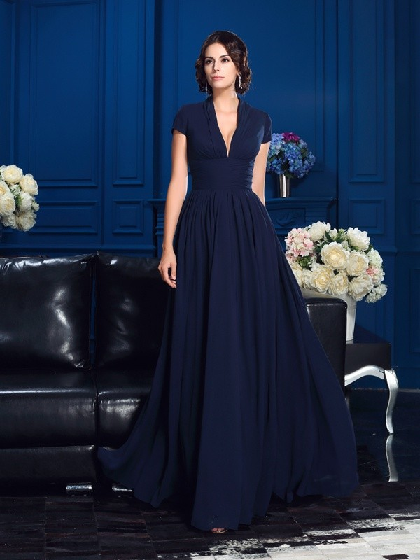 Romantic A-Line V-neck Cut Chiffon Long Mother of the Bride Dresses With Applique