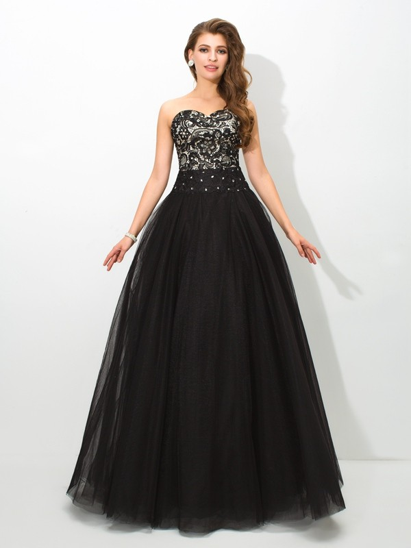 Modern Ball Gown Sweetheart Cut Net Long Dresses With Lace