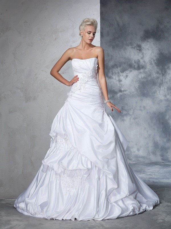 Stunning Ball Gown Strapless Cut Satin Long Wedding Dresses With Applique