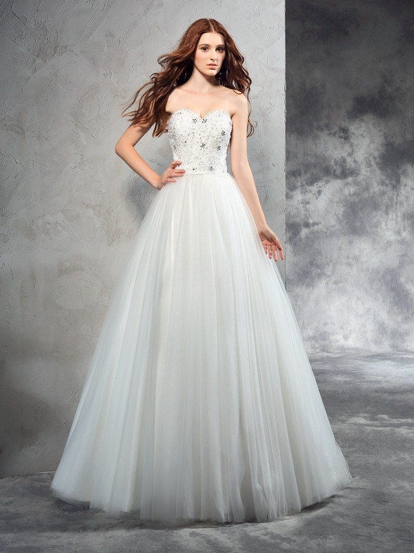 Elegant A-Line Sweetheart Cut Net Long Wedding Dresses With Beading