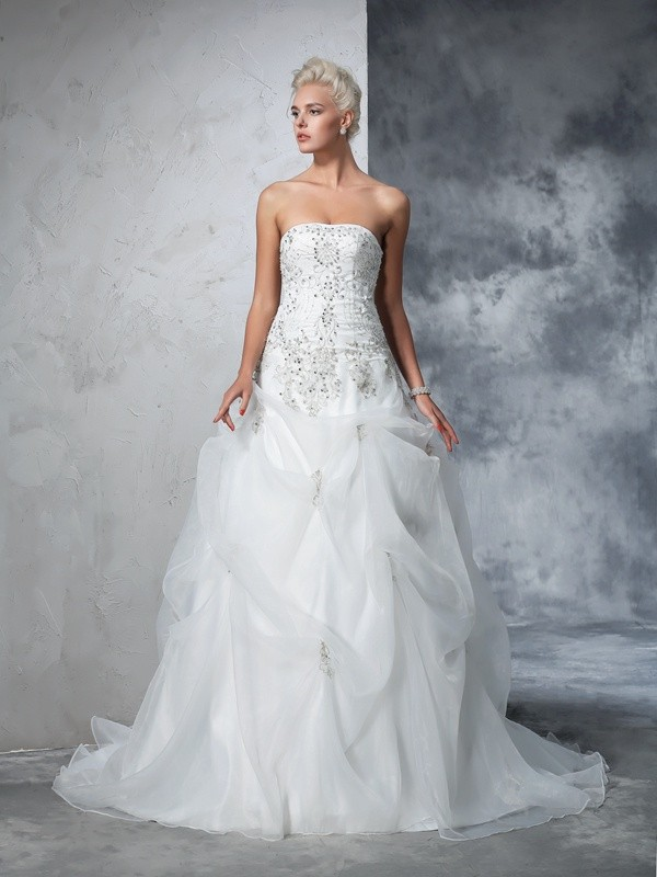 Unique Ball Gown Strapless Cut Tulle Long Wedding Dresses With Beading
